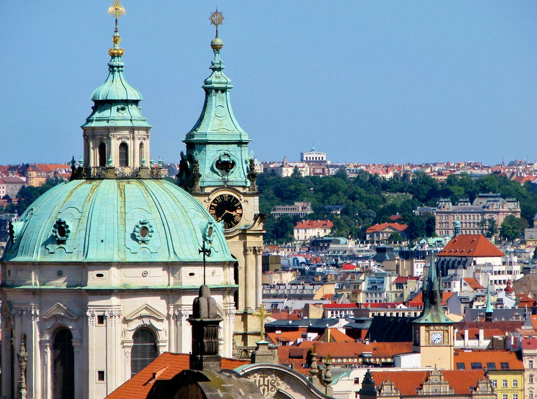 Visit Prague: Old Town skyline