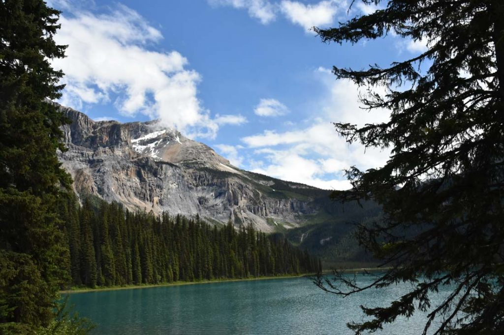 Avoid crowds Lake Louise visit Yoho Emerald Lake