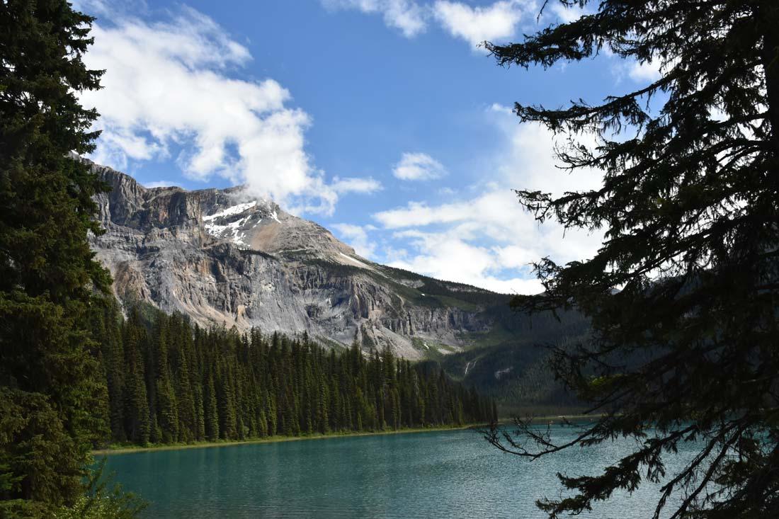 Avoid crowds Lake Louise visit Yoho Emerald Lake